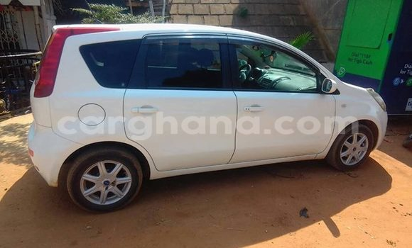 Buy Used Nissan Note White Car in Accra in Greater Accra