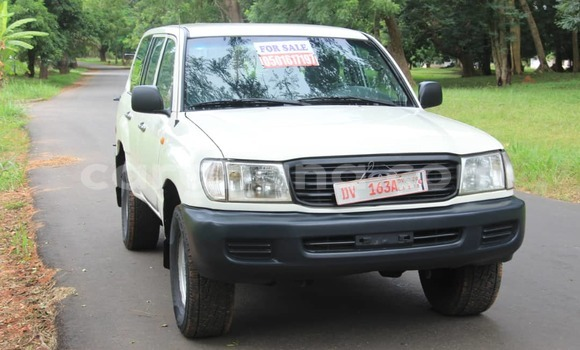 Buy Used Toyota Land Cruiser White Car in Accra in Greater Accra
