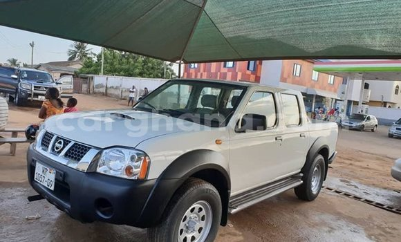 Buy Used Nissan Pickup White Car in Accra in Greater Accra