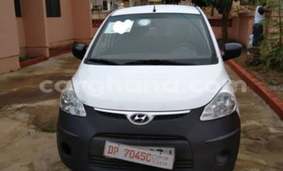 Buy Used Hyundai i20 White Car in Accra in Greater Accra