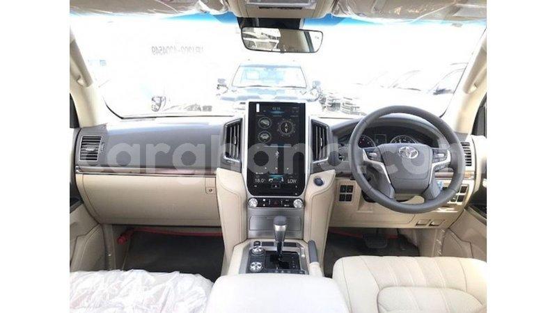 Big with watermark toyota land cruiser ashanti import dubai 10814