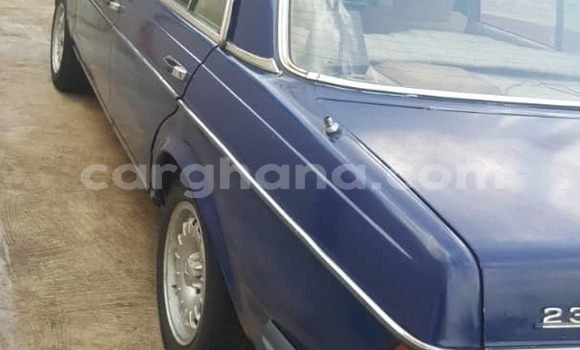 Buy Used Mercedes Benz E–Class Blue Car in Accra in Greater Accra