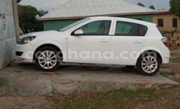 Buy Used Opel Astra White Car in Accra in Greater Accra