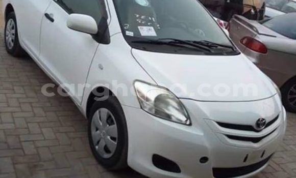 Buy Used Toyota Yaris White Car in Accra in Greater Accra
