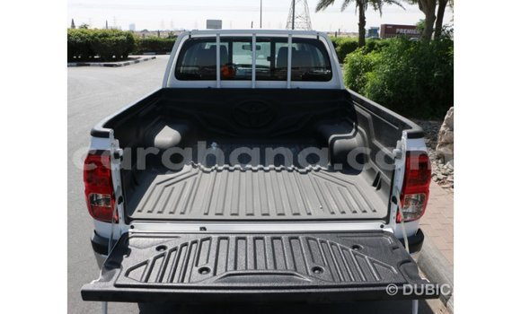 Buy Imported Toyota Hilux White Car in Fomena in Ashanti