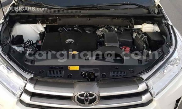 Buy Import Toyota Highlander White Car in Import - Dubai in Ashanti