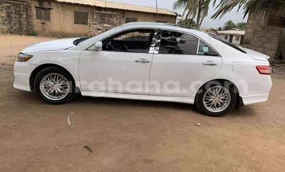 Buy Used Toyota Camry White Car in Accra in Greater Accra