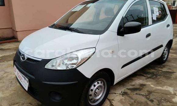 Buy Used Hyundai i10 White Car in Kumasi in Ashanti