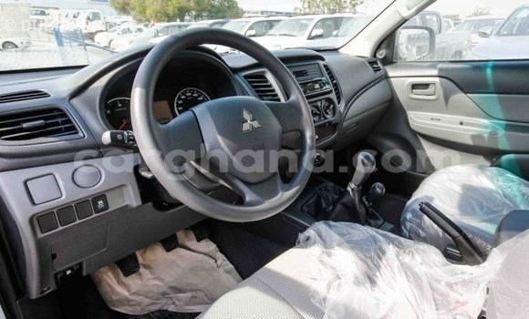 Buy Import Mitsubishi L200 White Car in Import - Dubai in Ashanti