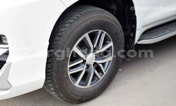 Buy Import Toyota Prado White Car in Import - Dubai in Ashanti