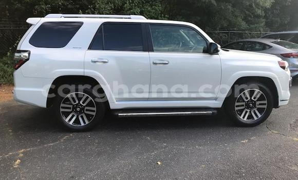 Buy Used Toyota 4Runner White Car in Accra in Greater Accra