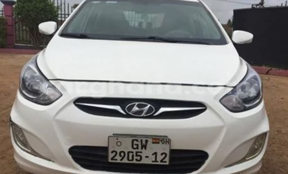 Buy Used Hyundai Accent White Car in Accra in Greater Accra