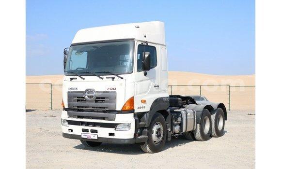 Buy Import Hino 300 Series White Truck in Import - Dubai in Ashanti