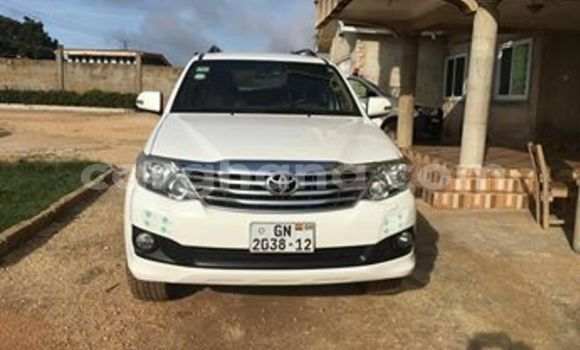 Buy Used Toyota Fortuner White Car in Accra in Greater Accra