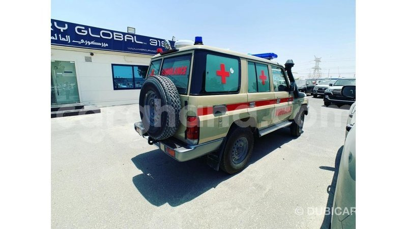 Big with watermark toyota land cruiser ashanti import dubai 6809