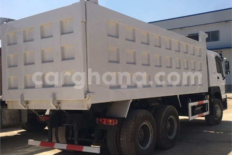 Big with watermark howo sinotruck greater accra accra 30470