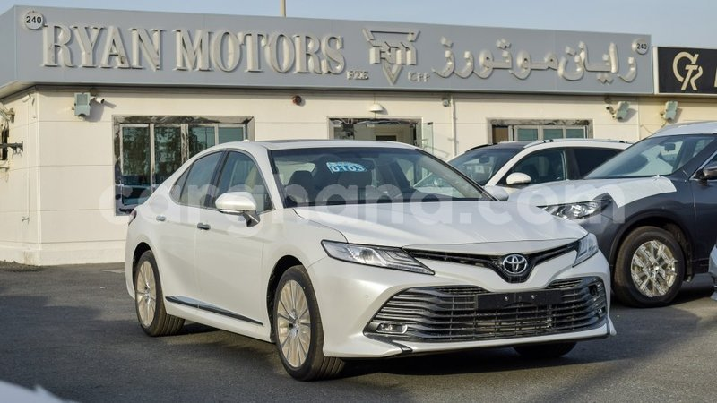 Big with watermark toyota camry ashanti import dubai 8231