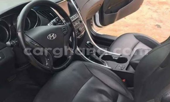 Buy Used Hyundai Sonata White Car in Akim Swedru in Eastern