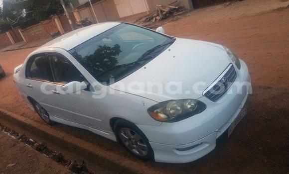 Buy Used Toyota Corolla White Car in Akim Swedru in Eastern