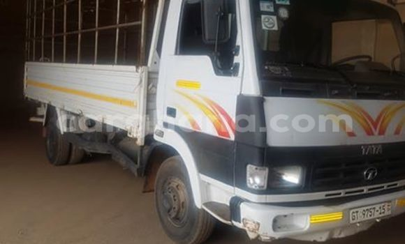 Buy Used Tata 709 White Truck in Accra in Greater Accra