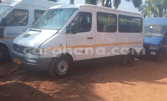 Buy Used Mercedes‒Benz Sprinter Silver Truck in Accra in Greater Accra