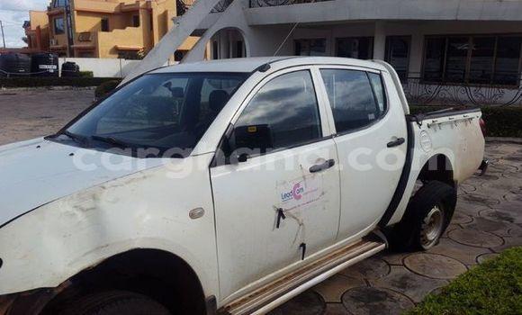 Buy Used Mitsubishi L200 White Car in Kumasi in Ashanti