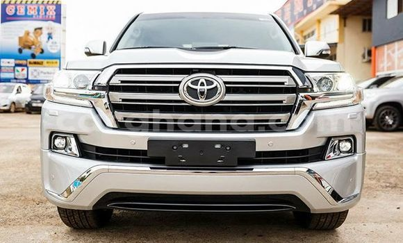 Buy Used Toyota Land Cruiser Prado White Car in Accra in Greater Accra